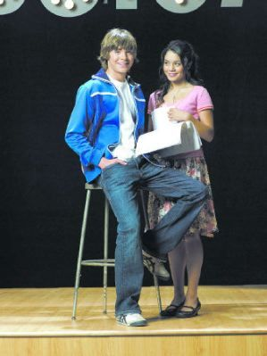 Zac Efron and Vanessa Anne Hudgens Zac and Vanessa in High School Musical
