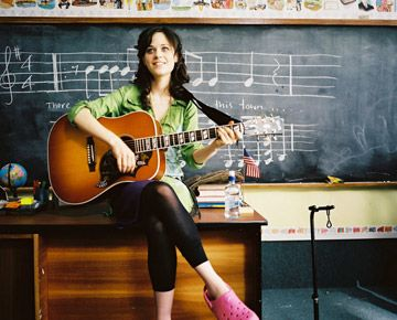 Zooey Deschanel Bridge To Terabithia (Ms. Edmunds)