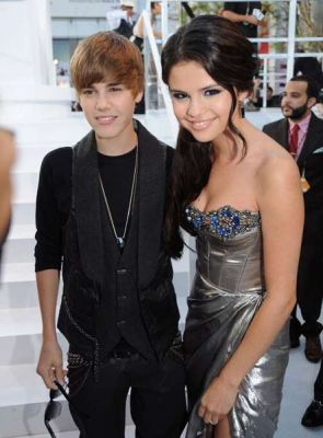 Justin Bieber and Selena Gomez  at VMAs 2010
