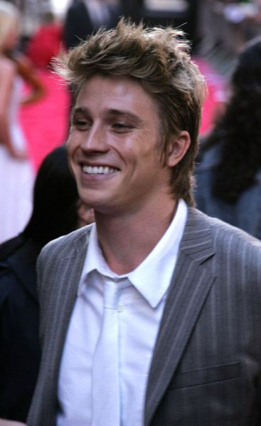 Garrett Hedlund  on the red carpet