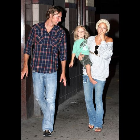 Dax Shepard , Kate Hudson & Ryder in Boston, Aug 16, 07