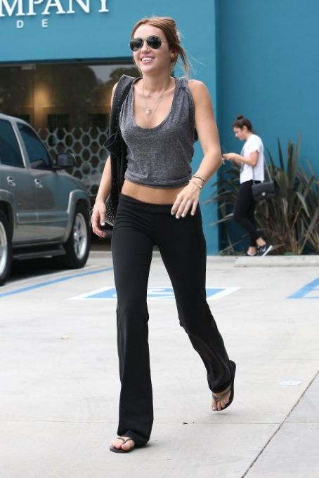 Miley Cyrus - Miley Ray leaving Pilates class in West Hollywood (April 30)
