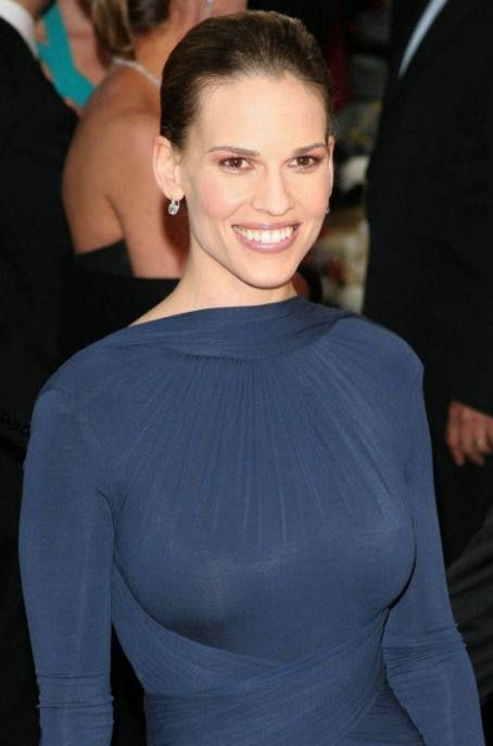 Hillary Swank - Gallery Photo