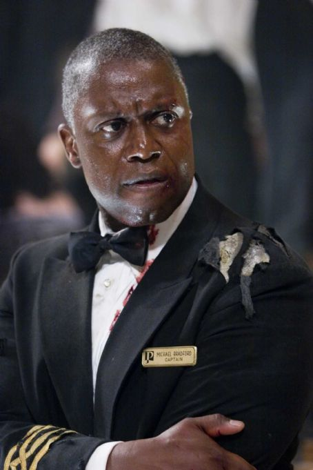 "Andre Braugher  as Captain Bradford in Warner Bros. Pictures' and Virtual Studios' action adventure ""Poseidon."" The film stars Kurt Russell, Josh Lucas and Richard Dreyfuss. Photo by Claudette Barius SMPSP"