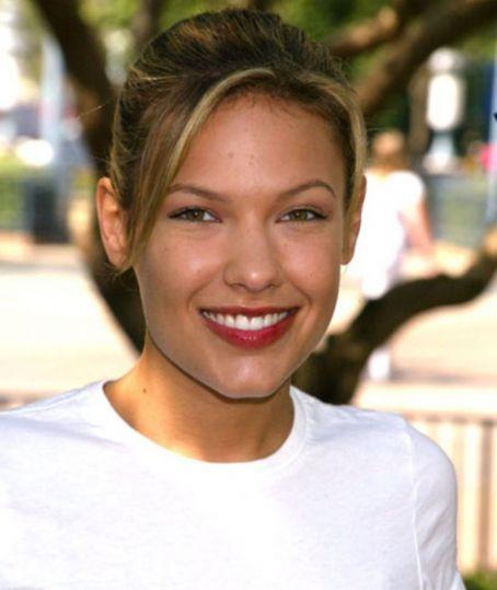 Kiele Sanchez - Wallpaper Actress