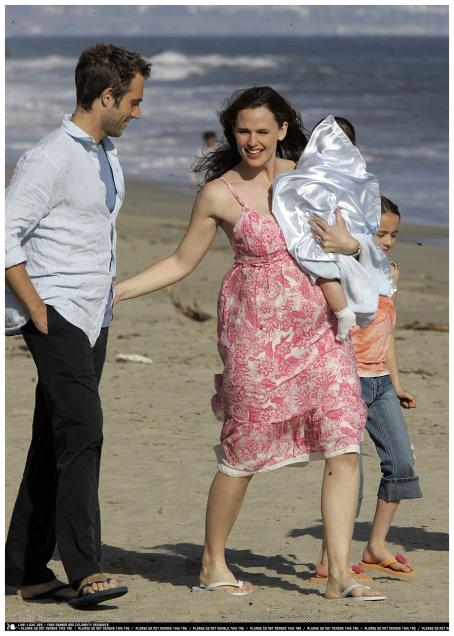 Jennifer Garner and Michael Vartan - Jennifer Garner & Michael Vartan On The Set Of Alias