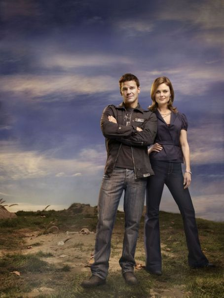 Emily Deschanel  nd David Boreanaz photo of 3rd season