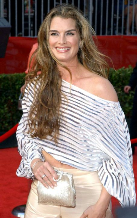 Brooke Shields  With AWESOME Hair!
