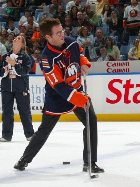 Kevin Connolly  at NY Islanders game