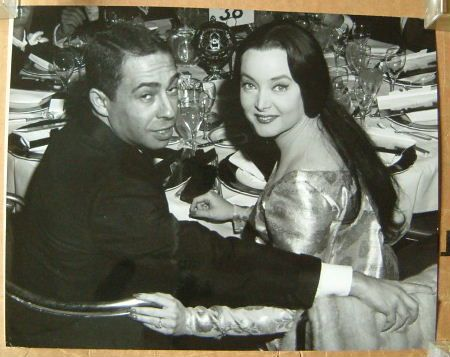 Carolyn Jones  with fiance Bud Moss in 1966