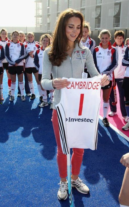 Kate Middleton Shows Off Her Hockey Skillset