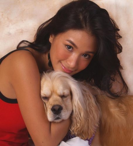 Heart Evangelista  with her dog, Kayla