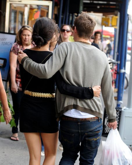 Xavier Samuel and Shermine Shahrivar look like a young couple in love as they wander the streets of Greenwich Village and share a kiss