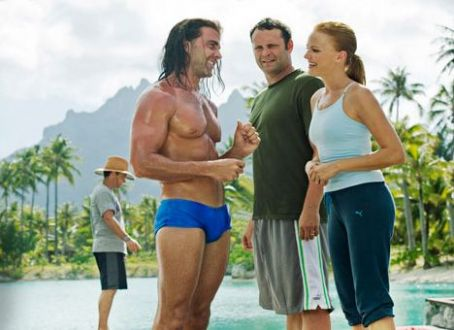 Carlos Ponce  as Salvadore talk with Malin Akerman as Ronnie and Vince Vaughn as Dave (center) in Universal Pictures' Couples Retreat.