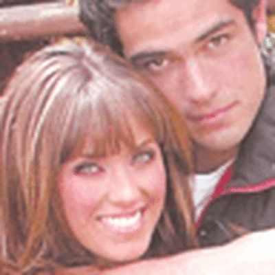 Alfonso Herrera  and Anahi Portillo