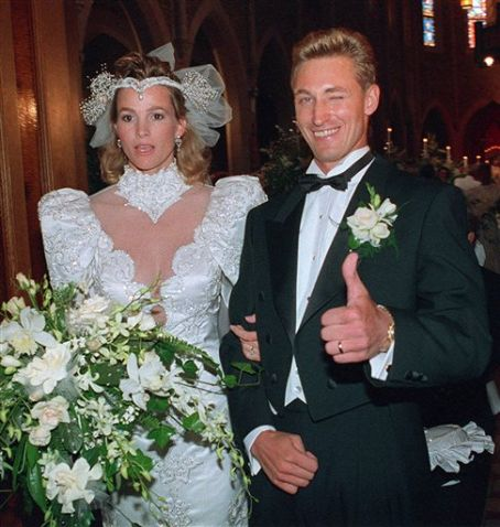 Janet Jones Wayne Gretzky and  Wedding Photo