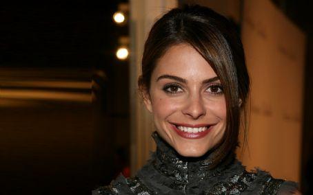 Maria Menounos  quel beau sourire