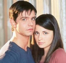 Shiri Appleby  and Jason Behr