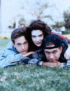 Threesome Josh Charles, Lara Flynn Boyle And Stephen Baldwin In  (1994)