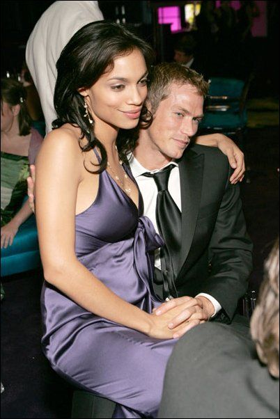 Jason Lewis  and Rosario Dawson