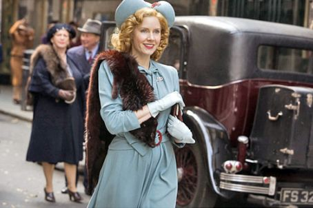 Amy Adams  - 'MISS PETTIGREW LIVES FOR A DAY' STILLS