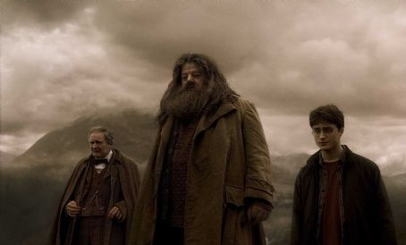Robbie Coltrane - (L-r) JIM BROADBENT as Professor Horace Slughorn, ROBBIE COLTRANE as Rubeus Hagrid and DANIEL RADCLIFFE as Harry Potter in Warner Bros. Pictures' fantasy adventure 'Harry Potter and the Half-Blood Prince.' Photo courtesy of Warner Bros. Pictur