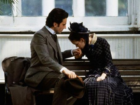 The Age of Innocence Winona Ryder and Daniel Day-Lewis