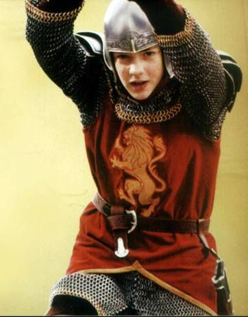 Skandar Keynes Totally Cute!