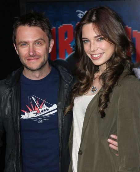 Chris Hardwick Chloe Dykstra and