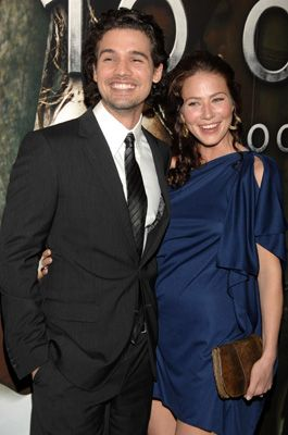 Lynn Collins  and Steven Strait