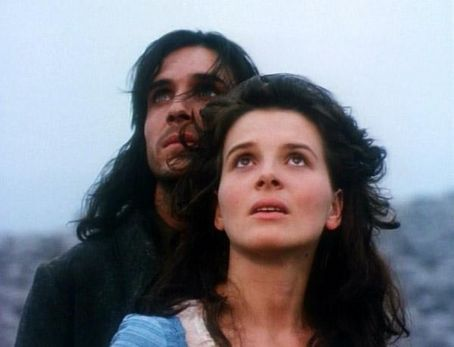 Ralph Fiennes Juliette Binoche and  in Wuthering Heights (1992)