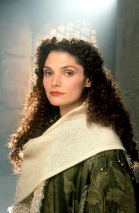 Mary Elizabeth Mastrantonio - Beautiful Photos