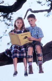Michael Conner Humphreys  and Hanna R. Hall in Forrest Gump (1994)