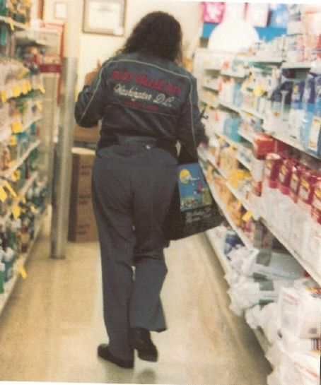 Tiny Tim Shopping