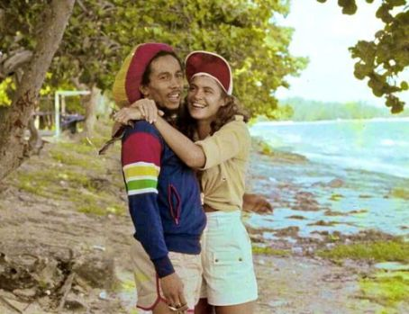 Bob Marley - Cindy Breakspeare - 454 x 349