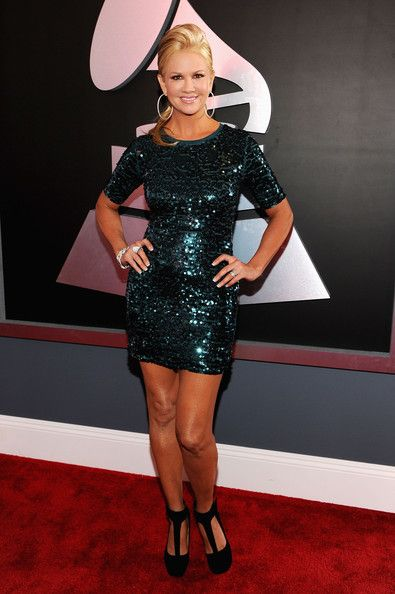 Nancy O'Dell arrives at the 54th Annual GRAMMY