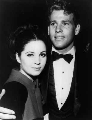 Barbara Parkins Ryan O'Neal and