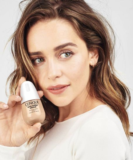 Emilia Clarke – Clinique Even Better Clinical Serum Foundation (2021)