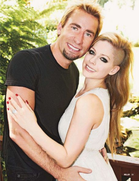 Avril Lavigne - Avril and Chad announcing engagement - September 2012