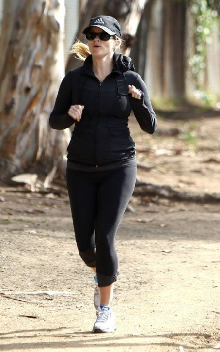 Reese Witherspoon's Baby Bump Workout