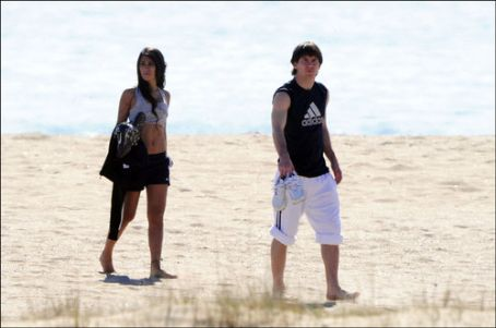 Lionel Messi - Messi and his girlfriend Antonella Rocuzzo