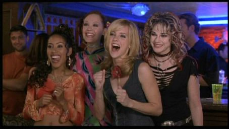 Alexandra Holden Maritza Murray, , Anna Faris and Samia Doumit in Touchstone's The Hot Chick - 2002