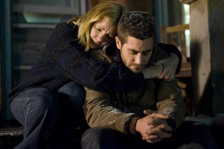 Mare Winningham  (as Elsie Cahill) and Jake Gyllenhaal (as Tommy Cahill) star in BROTHERS. Photo credit: Lorey Sebastian