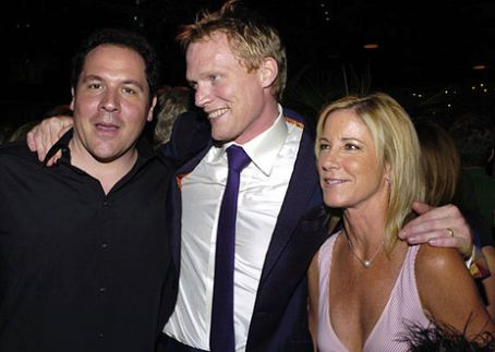 Chris Evert Jon Favreau, Paul Bettany,  at Wimbledon Premiere