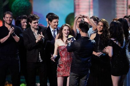 'Twilight' Stars Take Over 2011 MTV Movie Awards