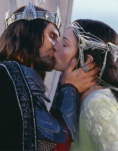 Viggo Mortensen As Aragorn And Liv Tyler As Arwen In Lord Of The Rings - The Return Of The King (2003)