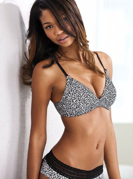 Chanel Iman - Vs Lingerie