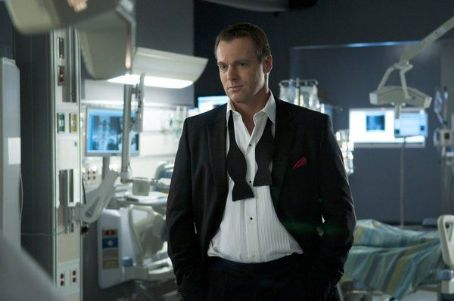 Michael Shanks - Saving Hope (2012)
