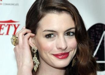 Anne Hathaway Jewelry: Up For Auction