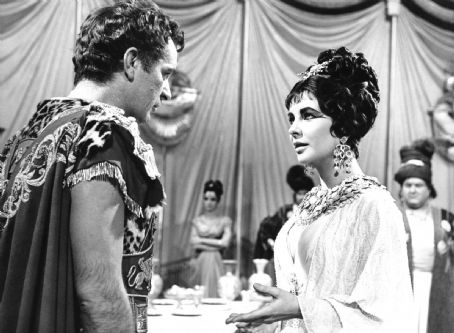 Elizabeth Taylor and Richard Burton in Cleopatra